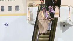 Le gros moment de solitude du roi d'Arabie saoudite à sa descente