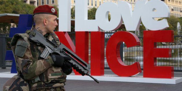 Pourquoi le terrorisme, devenu la préoccupation principale des Français, prend une nouvelle place dans...