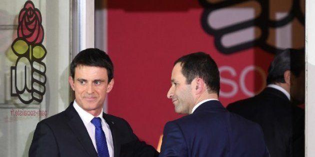 Manuel Valls et Benoît Hamon au siège du Parti socialiste au soir de la primaire de