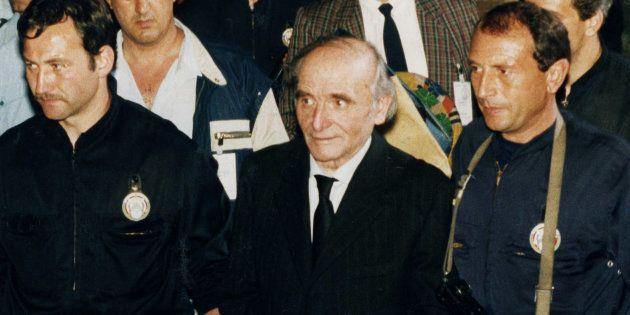 Klaus Barbie quitte la Cour d'Assises de Lyon le 11 mai