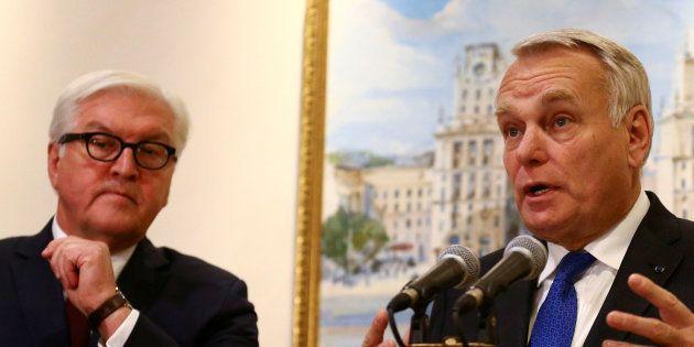Jean-Marc Ayrault et Frank-Walter Steinmeier à Minsk, Belarus, le 29 novembre 2016. REUTERS/Vasily