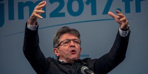 EXCLUSIF - La popularité de Jean-Luc Mélenchon le hisse sur la 1re marche du podium, Emmanuel Macron...