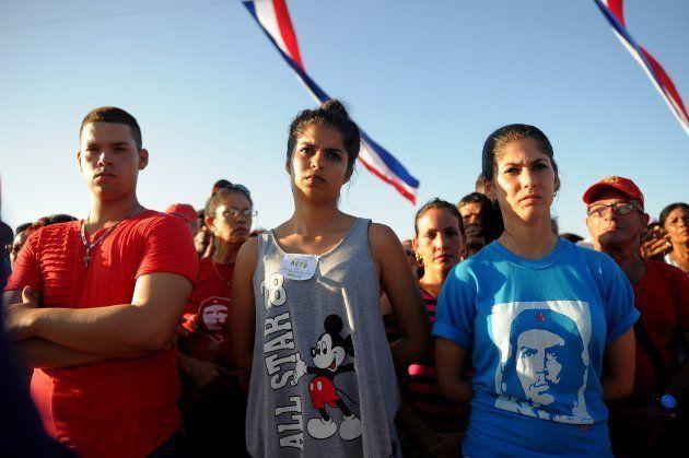 Les Cubains saluent la mémoire du