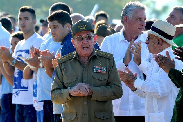 Les Cubains rendent hommage au
