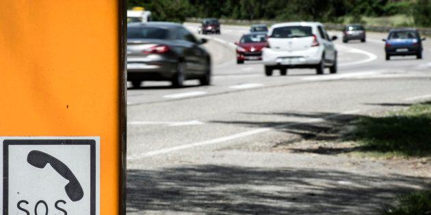 Des voitures circulant sur une portion limitée à 80 km/h sur la N7 entre Gervans et Valence, en