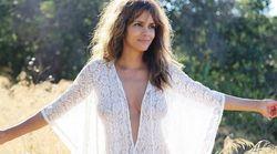 Halle Berry dévoile ses courbes dans une tenue transparente et ne manque pas