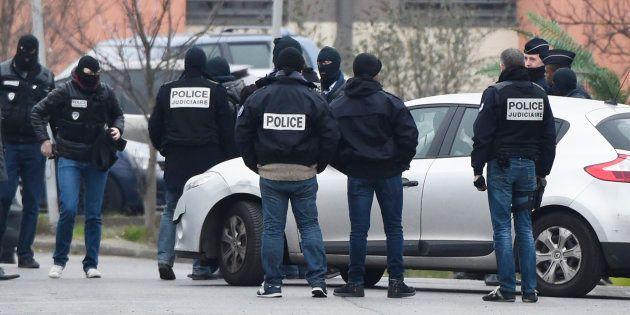 Lors d'une reconstitution à Villejuif le 20 mars