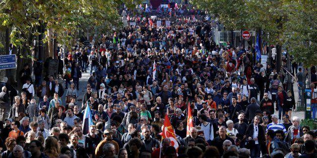 Des manifestants dans les rues de Paris, le 21 septembre (Image