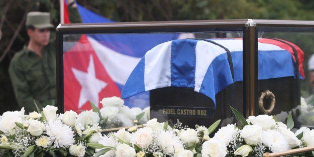 Les cendres de Fidel Castro, transportées de La Havane à Santiago de Cuba, le 30 novembre 2016. REUTERS/Edgard
