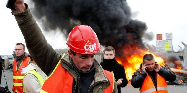Ne croyez pas au bobard que la CFDT est passée devant la CGT. REUTERS/Stephane