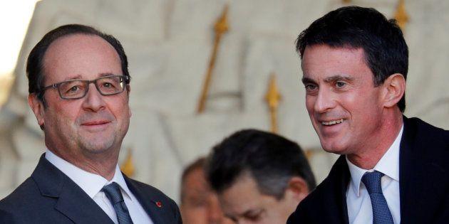 Francois Hollande et Manuel Valls à la sortie du conseil des ministre, le 30 novembre 2016. REUTERS/Philippe