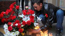 Les Russes rendent hommage aux victimes de