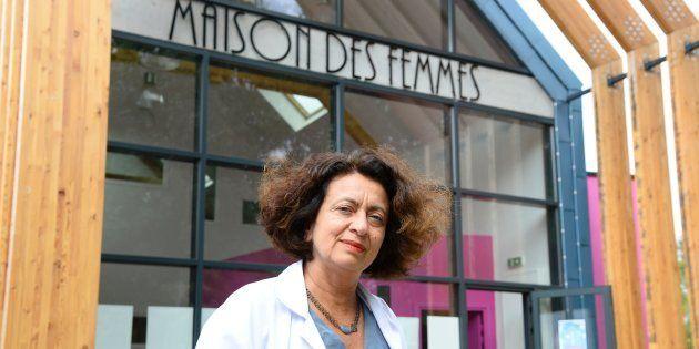 Le Docteur Ghada Hatem devant la Maison des Femmes de l'hôpital Delafontaine, le 5 août 2016 à