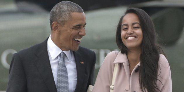 Barack Obama et Malia quittent Chicago à bord de l'Air Force One, le 7 avril