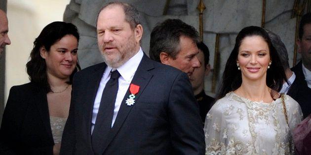Harvey Weinstein quitte le palais de l'Élysée avec sa femme, Georgina Chapman, après avoir reçu la Légion...