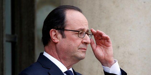 François Hollande sur le perron de l'Elysée au mois de mars