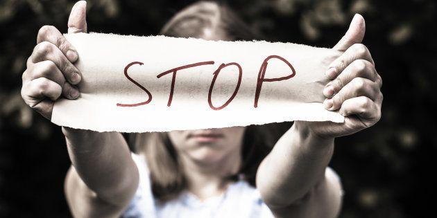 Face aux violences contre les femmes, est-ce vraiment plus difficile de changer les mentalités en France qu'ailleurs?