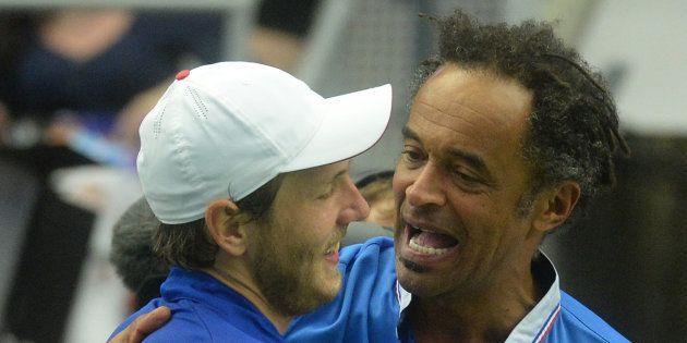 Oui, la France est favorite face à la Grande-Bretagne en Coupe Davis. / AFP PHOTO / Michal