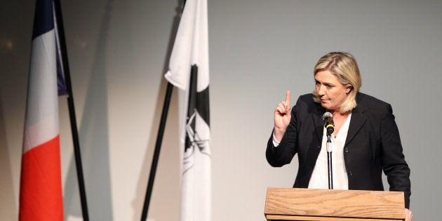 Marine Le Pen en meeting en Corse lors des élections