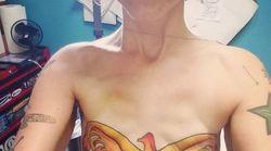 Après une double mastectomie, elle s'est fait un tatouage très symbolique sur la