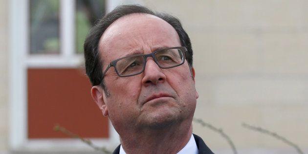 Quand François Hollande applaudit une initiative qui le ridiculise. REUTERS/Charles