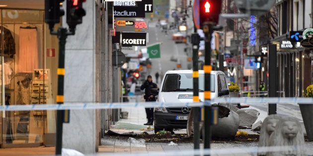 Le suspect derrière l'attentat à Stockholm est passé aux