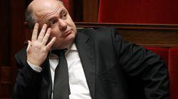Le nouveau ministre de l'Intérieur a-t-il enjolivé son