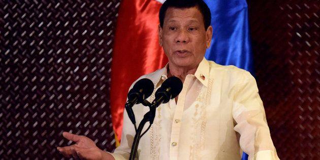 Le président philippin Rodrigo Duterte sur les