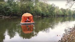 Cette tente permet aux amoureux de la nature de camper directement sur