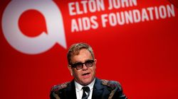Elton John soutient Amnesty international contre