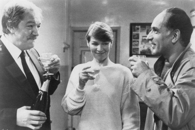 Michael Gambon (à gauche) incarne George Fairbairn dans le film de 1985