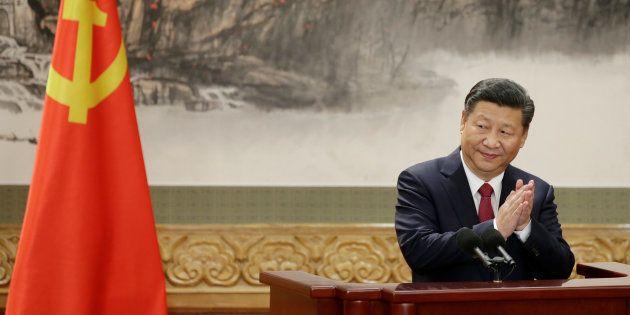 Chine : Xi Jinping réélu à la tête du Parti Communiste Chinois pour cinq ans de