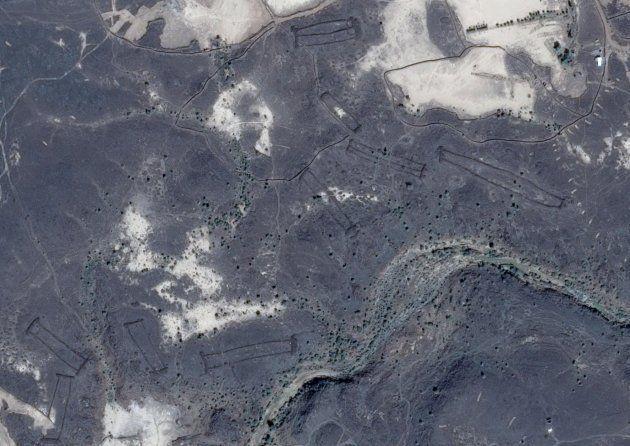 Des mystérieuses structures de pierre découvertes grâce à Google Earth dans le désert