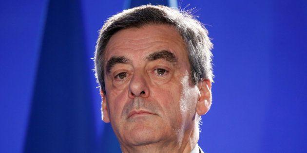 Francois Fillon à son QG de campagne à Paris le 6
