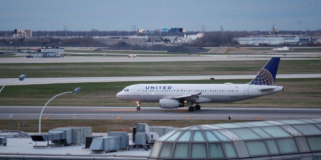 Au cours d'un vol United Airlines reliant le Texas au Canada, un passager s'est fait piquer par un