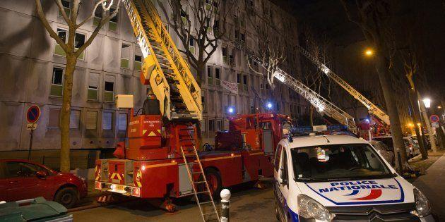 Un mort et des blessés dans l'incendie d'un centre pour migrants à Boulogne-Billancourt, la piste criminelle