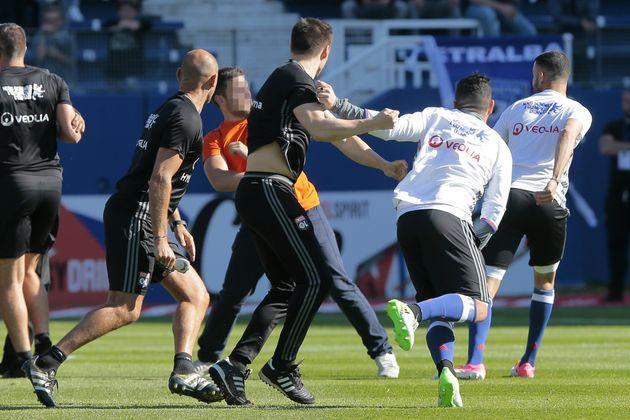 Les joueurs de l'OL agressés par des supporters bastiais sur le