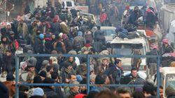 Encore des milliers de Syriens attendent la reprise des évacuations