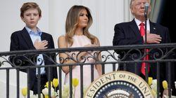 Cette tape de Melania Trump à son mari pendant l'hymne américain n'est pas passée