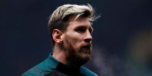 Lionel Messi est apparu brun pour le derby Espanyol - FC Barcelone dimanche 18