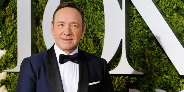 Kevin Spacey fait son coming out et s'excuse d'avances inappropriées dont on