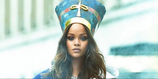 Rihanna pose en Une