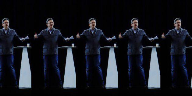 Multi-meeting en hologrammes: les 7 personnalités de Jean-Luc