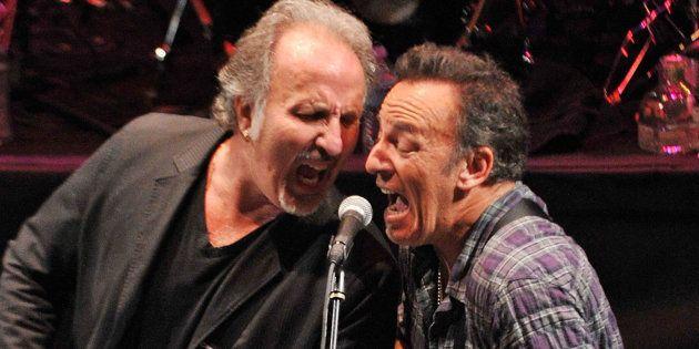 Bruce Springsteen (à droite) et Joe Grushecky se sont engagés contre Donald Trump dans leur