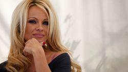 Pamela Anderson appelle à voter