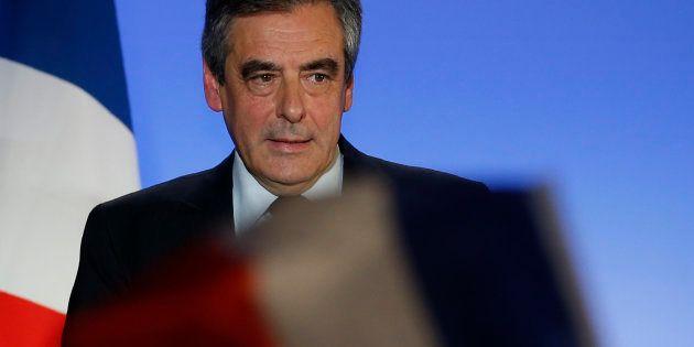 Qu'est-il arrivé à François Fillon pour qu'il promette des postes de ministres à la droite haineuse et...