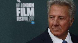 Une écrivaine accuse Dustin Hoffman de l'avoir harcelée sexuellement à l'âge de 17