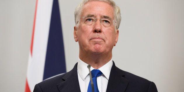 Accusé de harcèlement sexuel, Michael Fallon, le ministre de la Défense britannique,