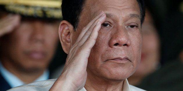 Le président philippin Rodrigo Duterte admet des meurtres quand il était maire dans les années 90, une...