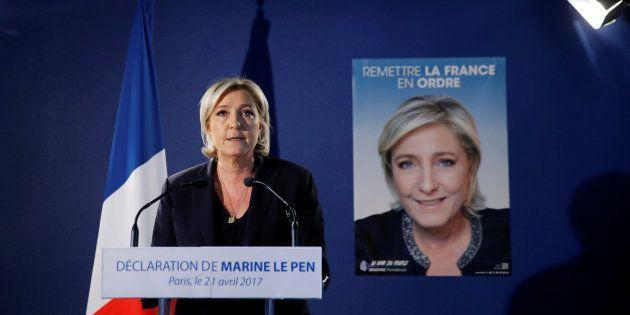 Marine Le Pen, en conférence de presse à Paris le 21 avril 2017, après l'attentat survenu aux Champs